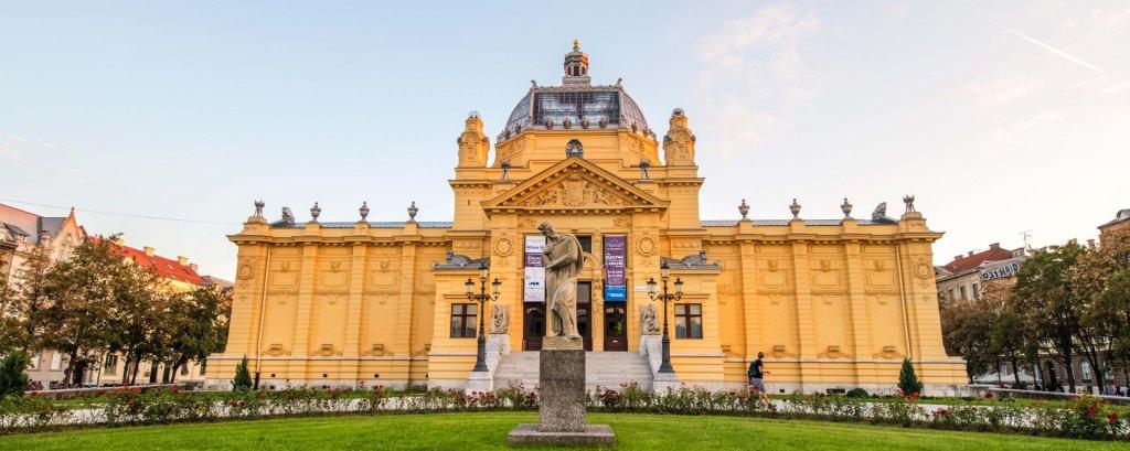 Lenuci Horseshoe in Zagreb