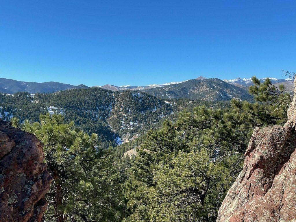 Hiking the Boulder Skyline Traverse in Boulder, Colorado