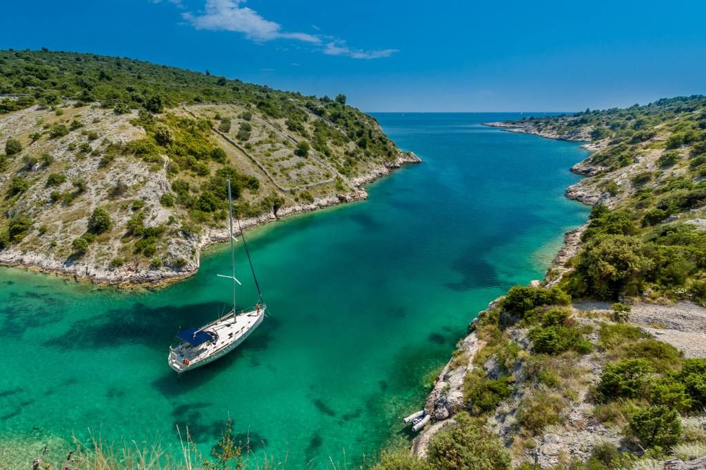 Book a scuba diving trip to Croatia!